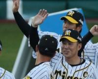 阪神・糸原 来季も主将 矢野監督から指名受け闘志 V奪回へ「チームを引っ張っていく」