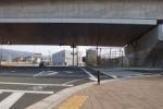 『箱』忘れてますよ!~第二京阪の側道。私部西交差点のところ~
