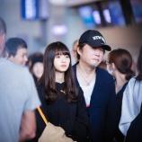 『【乃木坂46】中国のファンが撮影した空港での齋藤飛鳥と今野義雄の2ショット写真がこちらwwwwww』の画像