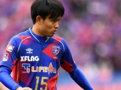 東京五輪の星・久保建英(17)、子供たちにサッカーを教える!