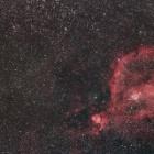 『カシオペア座のハート星雲とパンスターズ彗星コラボ』の画像