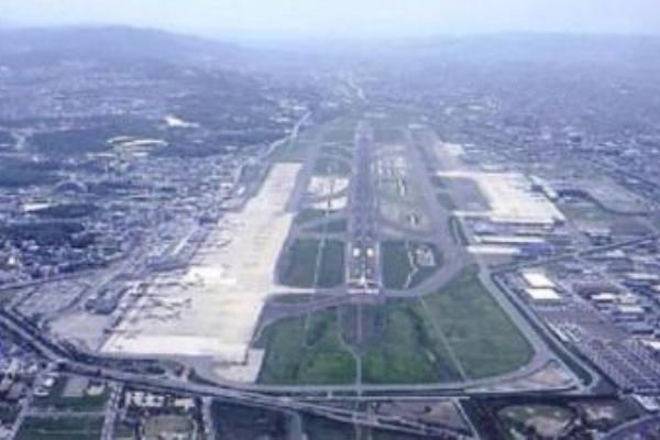 増設 滑走 福岡 空港 路