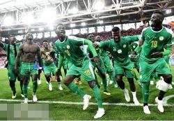 爆笑ww セネガル代表のダンスに「シークレットグラフィティー」の曲を合わせた結果www 【乃木坂46】