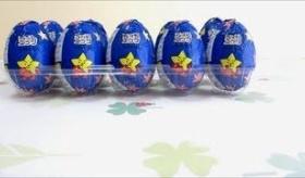 【日本のお菓子】   日本の商品  チョコエッグ  を大人買いしてみた。   海外の反応