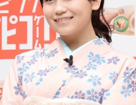 AKB小嶋真子、将来の目標は柏木由紀 「清楚なお姉さんみたいになりたい」 ← 「は?」