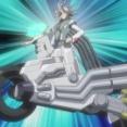 【疑問】遊戯王5D's見始めたワイ「バイクに乗りながらデュエル…?頭おかしいんか…???」