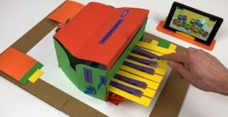 『Nintendo Labo』のピアノToy-Conを「飛び出す絵本」で完全再現!遊び終えたら本棚へ収納