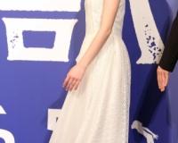【画像】芦田愛菜ちゃんさん(16)、素足で履き慣れないハイヒールを履いてしまう