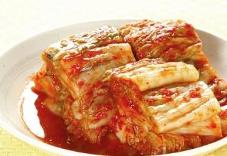 【文化の違い】韓国人「キムチの追加注文でお金を取る日本の食堂…日本人はなんてケチくさいのかと思ってしまう」