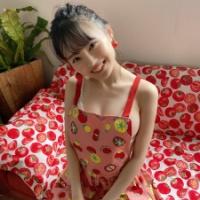 【画像】NMB48新澤菜央(23)、水着エプロンから横乳がはみ出してしまうwwwwww