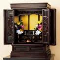 高級銘木・紫檀を使用した格調高い本格仏壇。