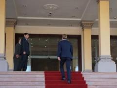 本田圭佑がカンボジアのフン・セン首相と面会!