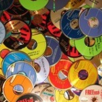 CDショップ店主が激怒「みんな全然CD買ってくれない 助けて」