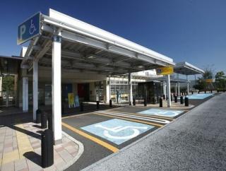 「待ち合わせ」「駐車スペース無視」「男性トイレの女性利用」などのルール無視! SA・PAで守るべきマナー8選+α
