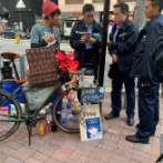 外国人「香港でコーヒーを配る日本人、現地警察に目をつけられる」
