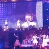 AKB48リクアワで2位のHKT48「ロマンティック病」時のひな壇の様子www