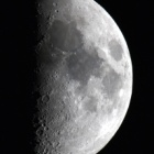 『梅雨時の上弦の月(月齢7.9)』の画像