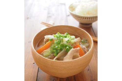 豚汁が全ての味噌汁においてトップだという風潮wwwwwwwwwwwwwwのサムネイル画像