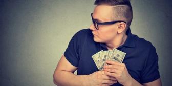 私「友達の結婚式のご祝儀で3万包むね」旦那「多すぎる。友達なんて1万円で十分。親戚ですら3万円も包まない」