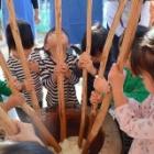 『幼稚部・保育部合同「七五三もちつき大会」のようす』の画像