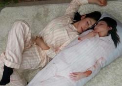 吉川友さんがクリスマスイブに等身大抱き枕を販売!これは抱きたい!