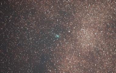 『暗くなってきたジャック彗星(C/2014 E2)』の画像