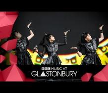 『【動画】鞘師里保登場 BABYMETAL - PA PA YA!! (Glastonbury 2019)』の画像