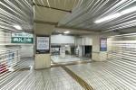 とても真っ白!星田駅の駅張りポスターが前よりもっと白くなってる!