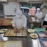 知的障害者の作業所で作られたクッキーもらったんだけど、お前らこれ食える?
