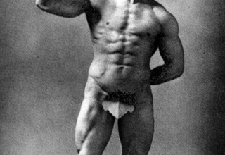 【悲報】100年前のボディビルダーの筋肉wwwwwwww