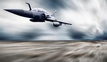 最新戦闘機が旧日本軍に与えられたら勝てる?