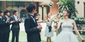 私の結婚式で出会ってフリンしてる友人A子。相手は旦那の友人で、数回会っただけなのにもう結婚話に発展してて…