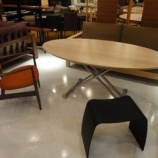 『【豊富な品揃え全部見せます!2011】オリジナルメープル材のコージー昇降テーブル』の画像