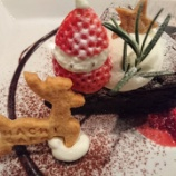 『クリスマス仕様のいちごサンタとトナカイのクリスマスケーキが可愛い🎄@Hachi Cafe -KOBE- (ハチカフェ)』の画像