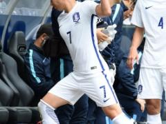 【 画像 】スペインに6失点で完敗の韓国!ソン・フンミンもブチ切れの様子w