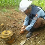 『対戦車地雷と対人地雷の回収』の画像