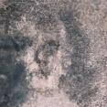 消しても取り除いてもまた床に現れる「ベルメスの顔」の謎