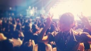 【大組閣祭】小嶋陽菜さん「会場のメンバーの緊張感伝わりますか(^ν^)」