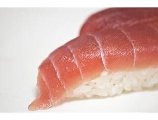 俺(30)「ひさしぶりの回転寿司。30皿くらい食って本日営業終了においこんだるわw」