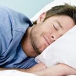 『日本「8時間睡眠は寝過ぎで病気になる」白人「最低8時間は寝ないと病気になる」←どっちが正しいの? 』の画像