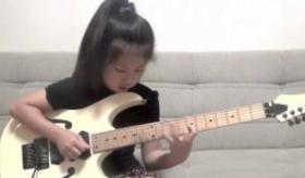 【音楽】     日本の天才少女がすげえ!8歳の少女のギター演奏映像。  海外の反応