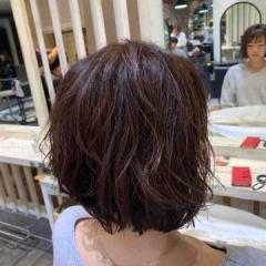 表参道 神宮前 東京都内で美髪パーマが得意な美容室ミンクス原宿 須永健次 前下がりボブに夏っぽいナチュラルパーマをかけてみました。巻きにくい長さはパーマでやり易くできます!