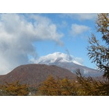 『軽井沢初滑りスキーキャンプ2期。浅間山も白くなりました。』の画像