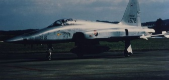 【韓国】F-5戦闘機が墜落 そういえば昨日2ch鯖落ちしたよね