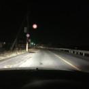 【疑問】車のライトをずっとハイビームにしてる奴って何なの???