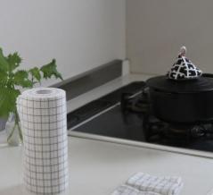 ニトリのカット式台ふきんは見た目も使い勝手もよし。「台ふきん」は使い捨てで家事を楽する