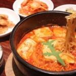毎日新聞「日本人は韓流のドラマも映画もK-POPも韓国料理も好きなのに韓国が嫌い。それでいいのか?」