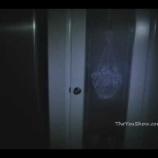 『youtubeで1000万回以上も再生された激コワ動画「キッチンストッカーに潜む少女」』の画像