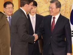 ムン大統領「GSOMIA外交失敗した… もう引くに引けない状況でどうすればいいかわからない…」