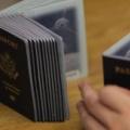 国際ニュース - 男性でも女性でもない「性別X」のパスポート、米国務省が初発行